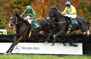 Class Cherokee (R), winner of the maiden hurdle. Photo courtesy Douglas Lees.