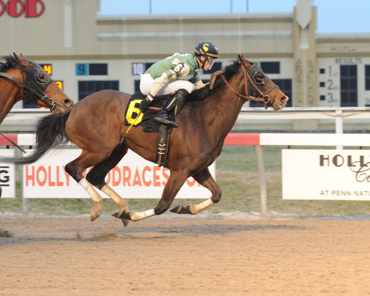 Free Union earned his third career triumph courtesy of a three wide move coming out of the turn. Photo courtesy of B&D Photography.